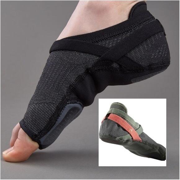 af957d761a Adidas CrazyMove Studio Yoga Dance Barre BB1591
